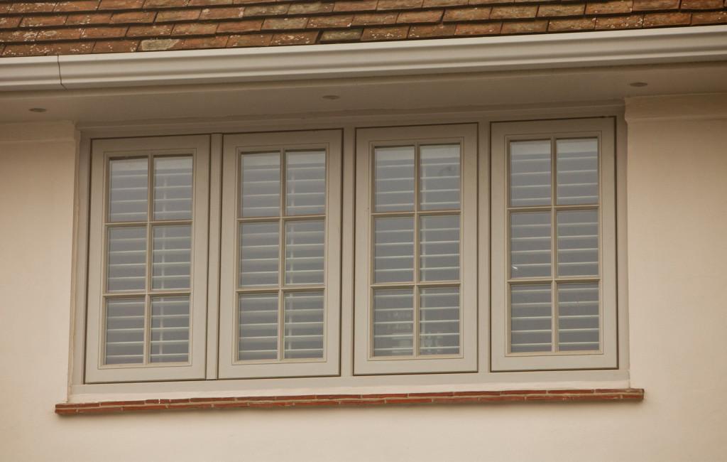 6-pane glazing pattern to a set of casement windows