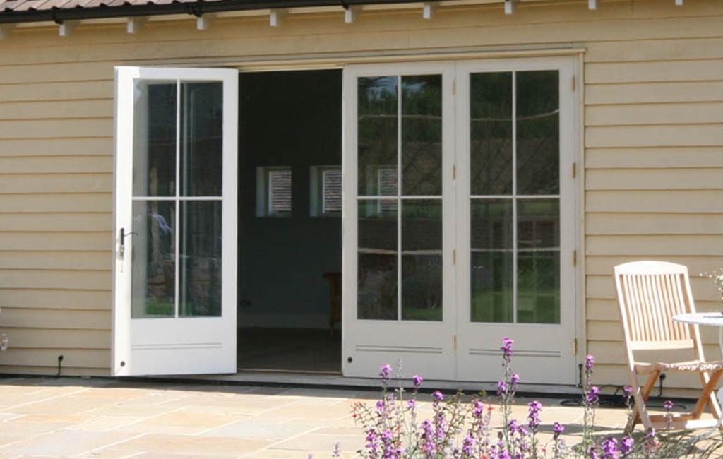 Elegant 4-pane design to a set of doors