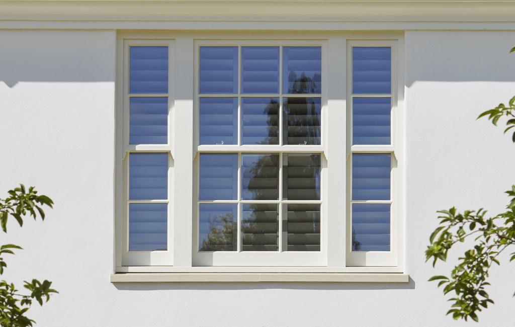 westbury window - glue